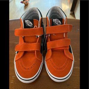 VANS/Boy's/Orange & Black/Size 3 Glow in the dark